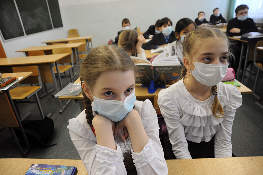 Школы Броваров снова закрывают на карантин
